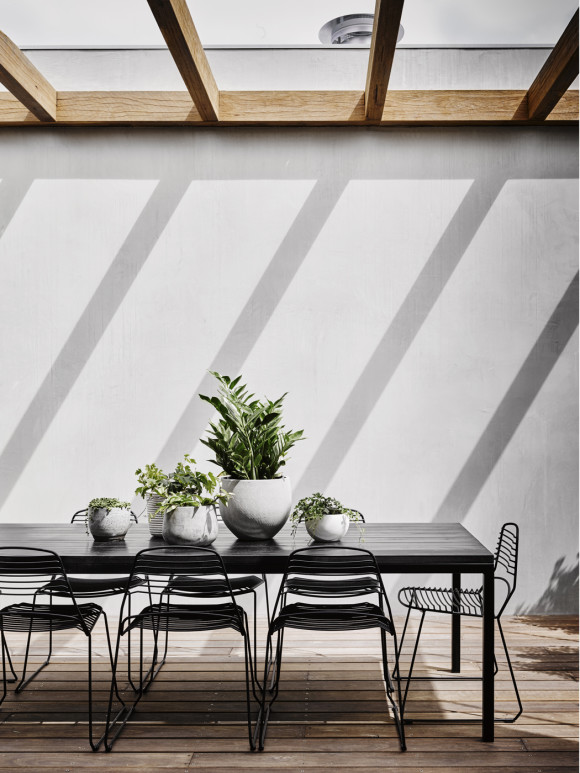 An outdoor space should be an extension of the interior: Rob Kennon - Burnley House