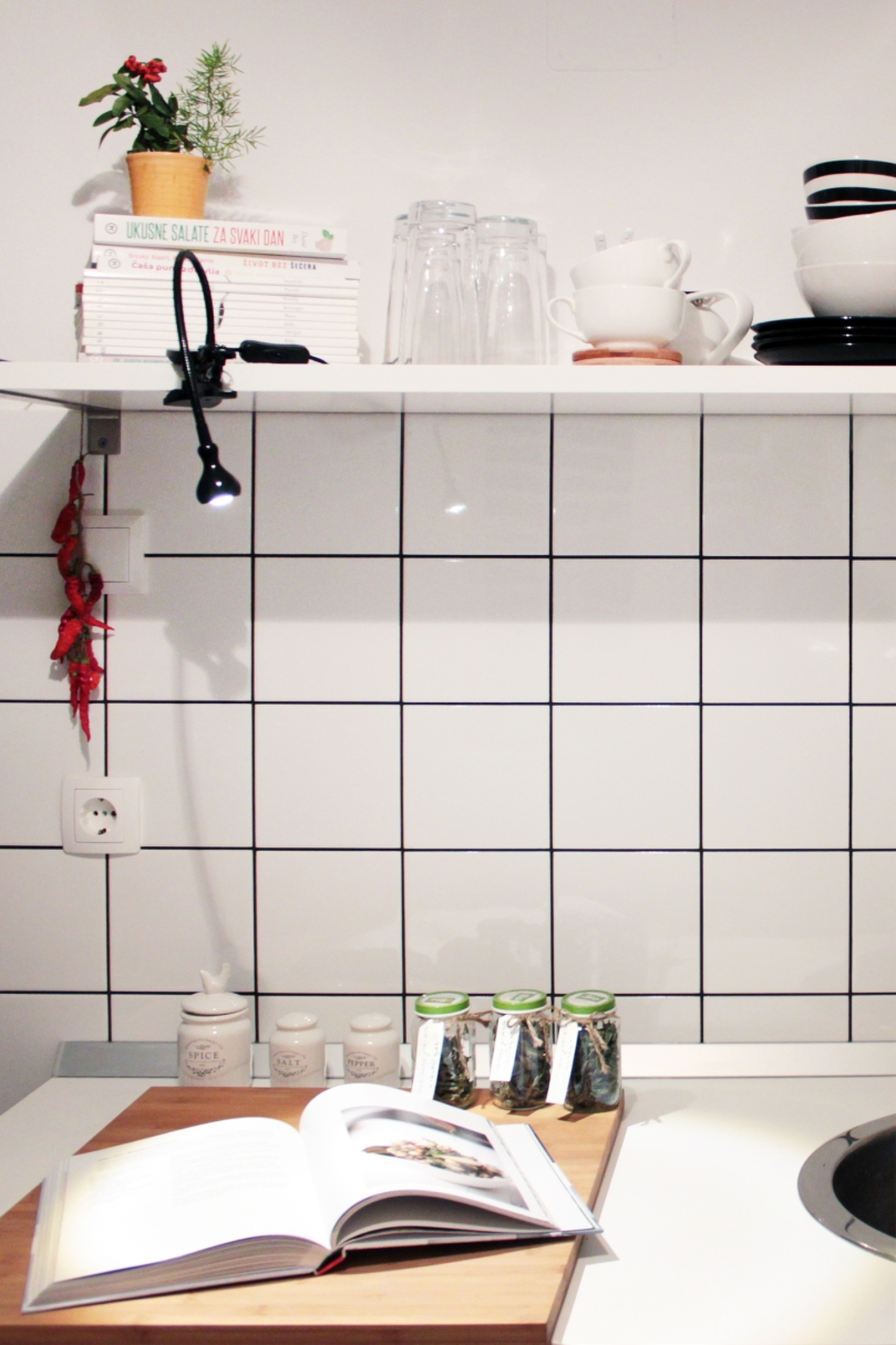 Small and functional Ikea kitchen | upgradesign