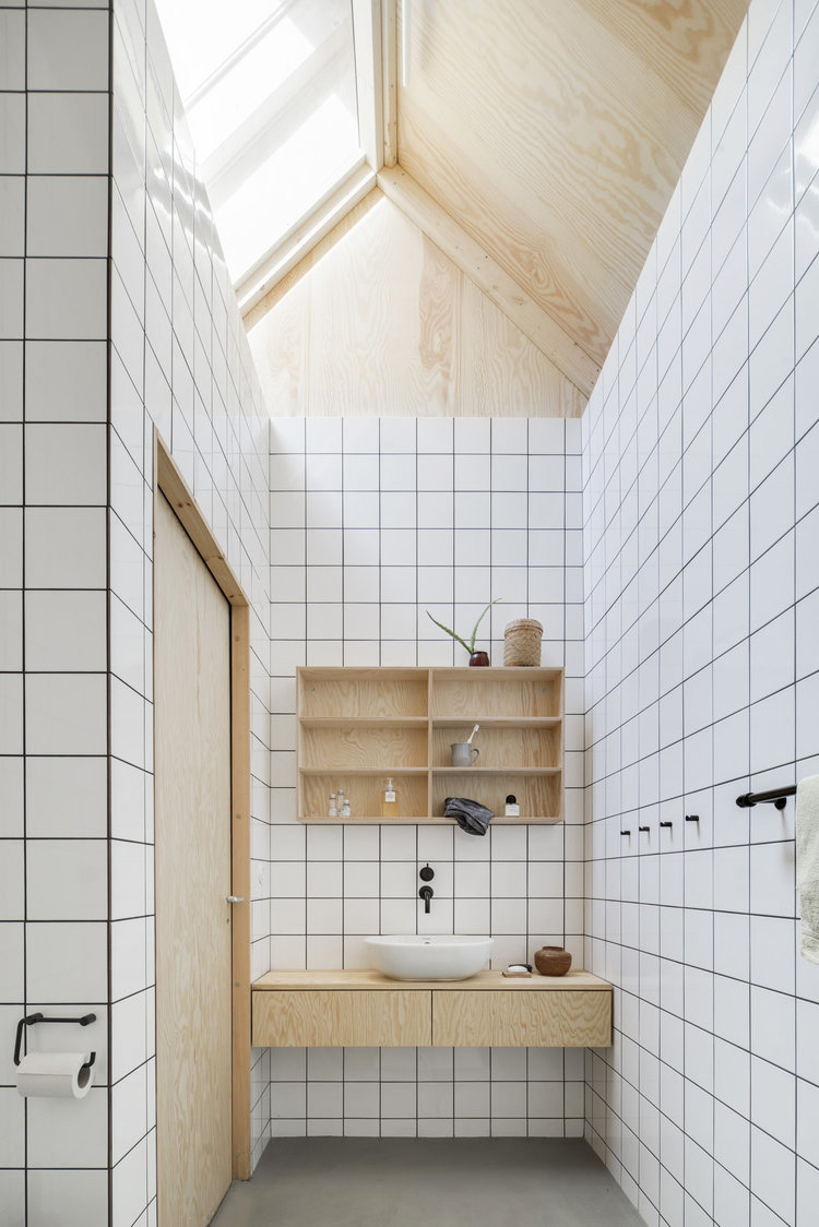 How to remodel a bathroom: Forstberg Ling - House for mother