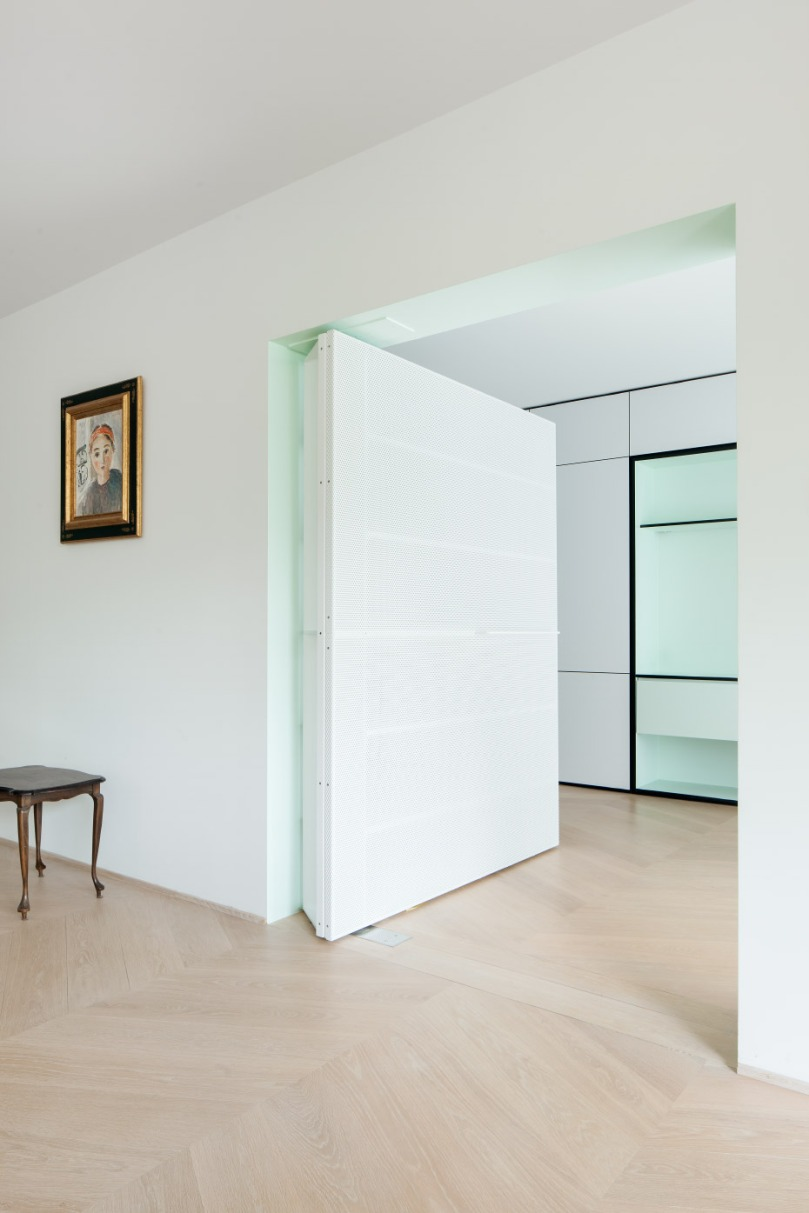 The ultimate guide to partition walls: i.s.m.architecten - LVDV: perforated door