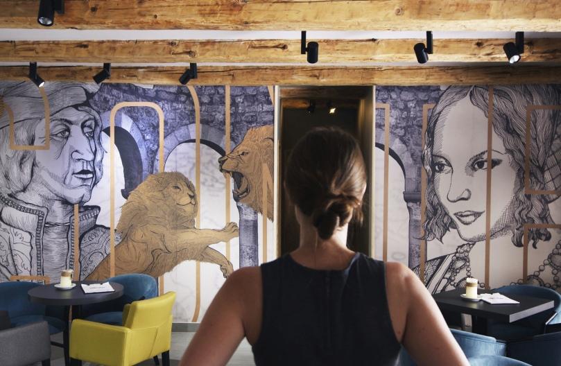 MAT projektni studio - tailor-made wallpaper for CONTE NERO bar