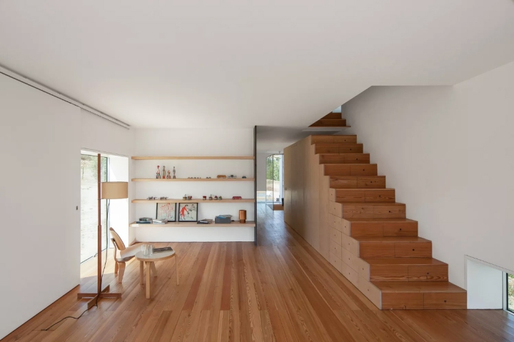 About hardwood floors: João Mendes Ribeiro – Fonte Boa House // BRICKBOND floor pattern