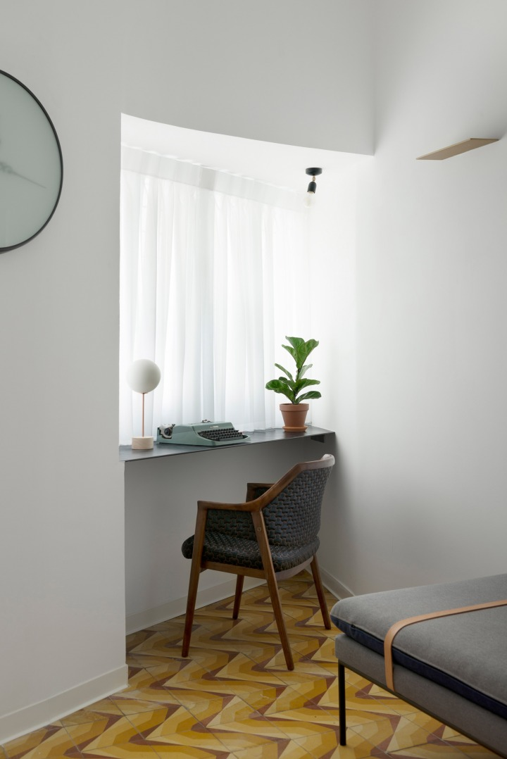 Home inspiration | home office nook | workspace niche by the window