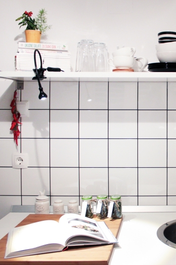 3 signs you might hate your apartment: Small and functional IKEA kitchen