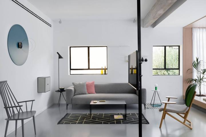 living roome | modern living room | Maayan Zusman & Amir Navon + mentored design graduate Eilat Dar - Airy and Open apartment, Tel Aviv