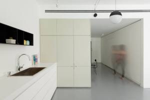 Maayan Zusman & Amir Navon + mentored design graduate Eilat Dar - Airy and Open apartment, Tel Aviv