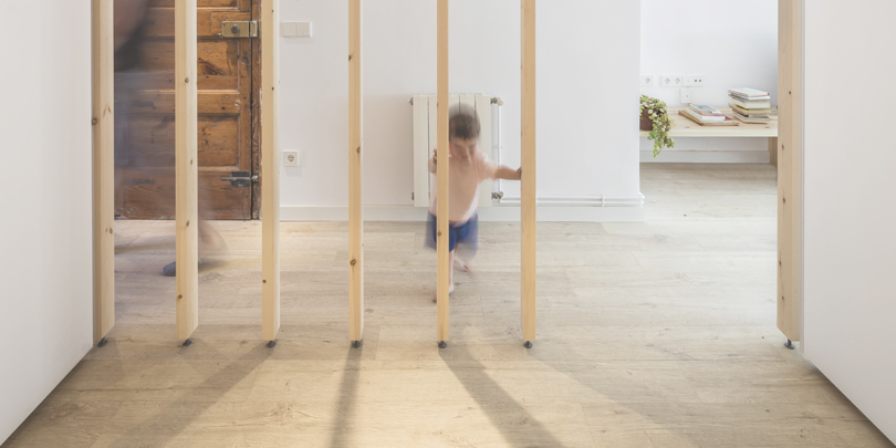 About room dividers: Alventosa Morell Arquitectes - LB flat renovation