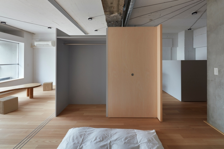 How to use room dividers instead of partition walls? : FrontOfficeTokyo - Akasaka Flat