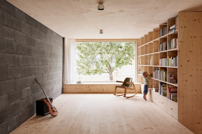 How to use room dividers instead of partition walls? : Architekten Innauer Matt - House Feurstein
