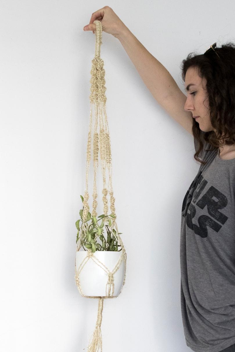 DIY Macrame plant hanger: Macrame