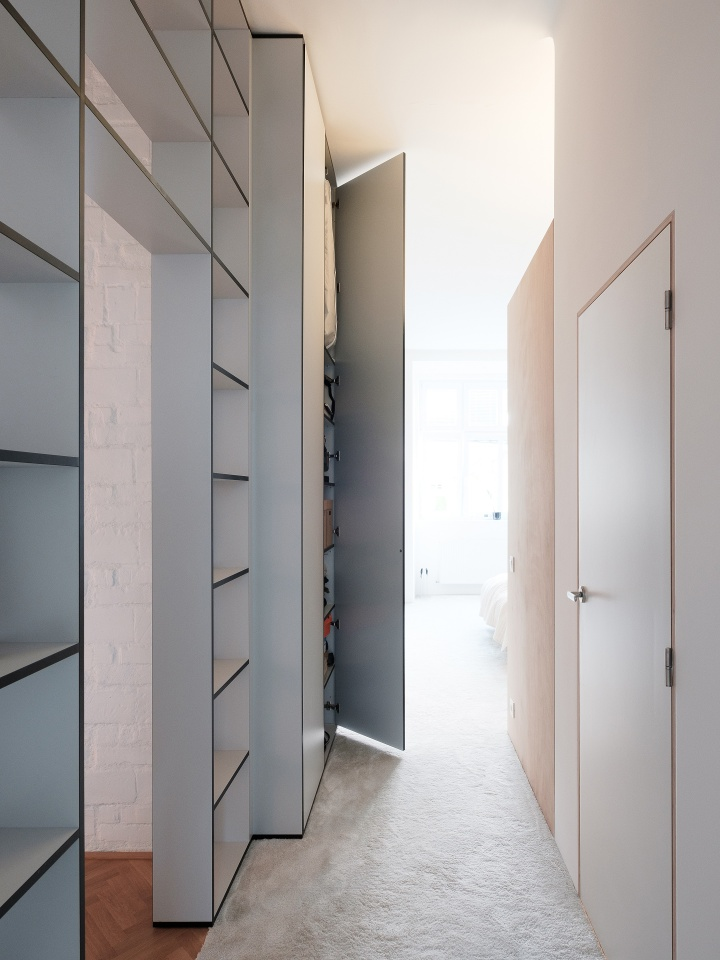 Reasons to hire an architect | fitted closet | open shelves idea | apartment remodel