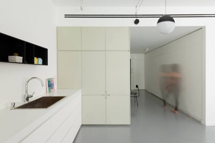 How to choose perfect kitchen worktop: Maayan Zusman + Amir Navon - Tel Aviv Apartment