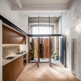 Räs studio - apartment renovation la Diana - entrance space - kitchen