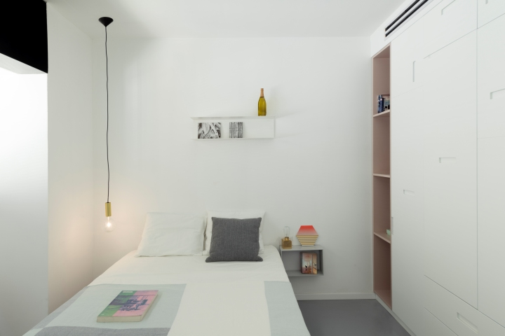 Interior lighting | sparkle lighting | bulb lighting | bedroom design | Maayan Zusman & Amir Navon + mentored design graduate Eilat Dar - Airy and Open apartment, Tel Aviv