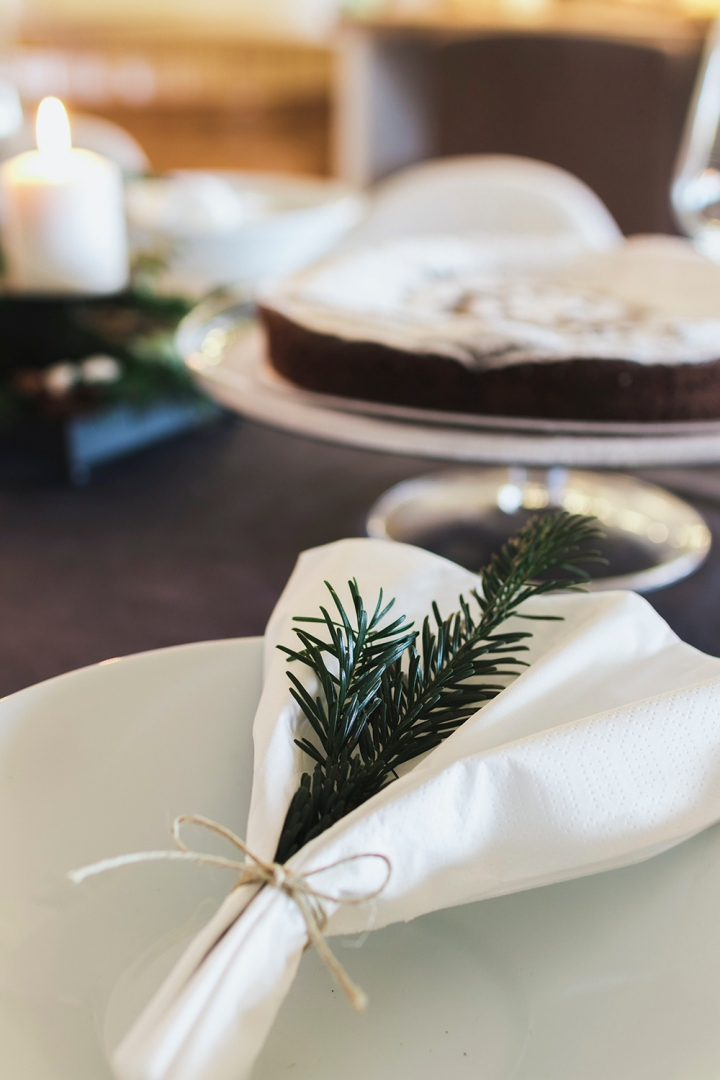 Christmas table styling | table inspiration | dinner decor