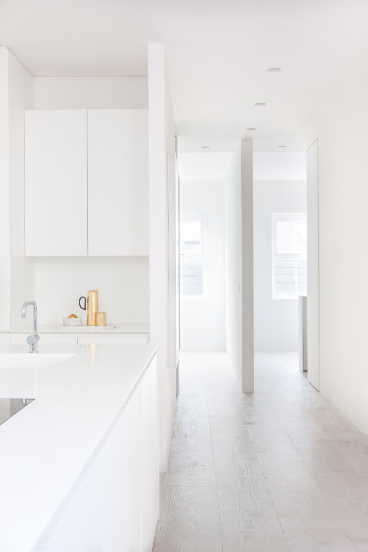 minimalistic kitchen | white kitchen | simple kitchen | HASA Architects - Bankside apartment