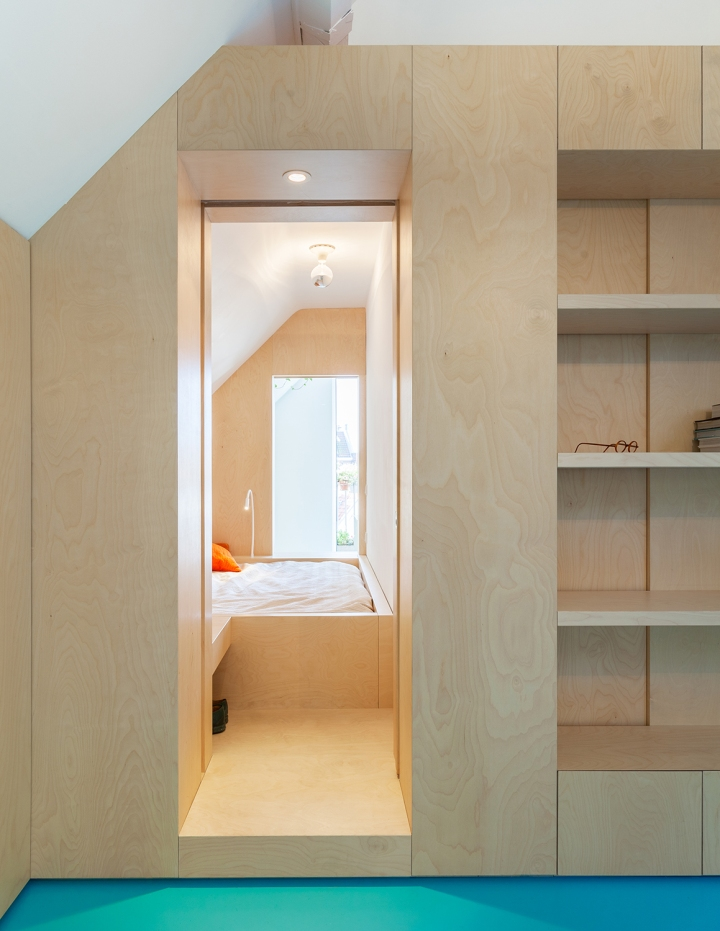 Bureau Fraai – Amsterdam urban loft | plywood | birch plywood | plywood in interior | bedroom | box bed