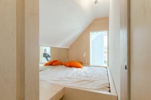 Bureau Fraai – Amsterdam urban loft | plywood | birch plywood | plywood in interior | box bed | plywood bedroom