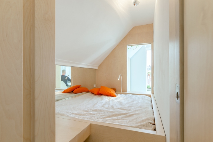 Bureau Fraai – Amsterdam urban loft | plywood | birch plywood | plywood in interior | box bed | plywood bedroom