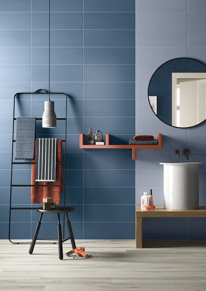 PLAY – ISolutions by Imola | tiles | bathroom | blue bathroom