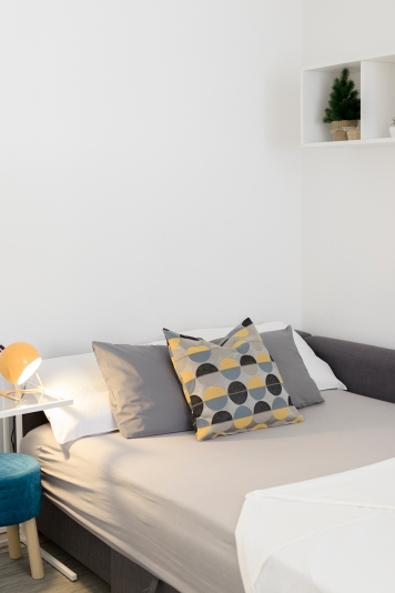 Apartment for daily rent | interior design | living and bedroom | neutral palette