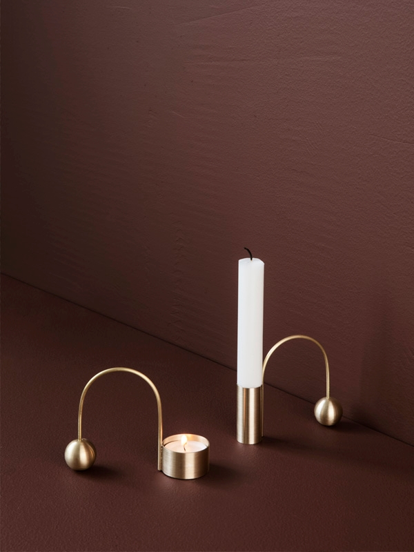 ferm living_Balance Tealight Holder - Black Brass